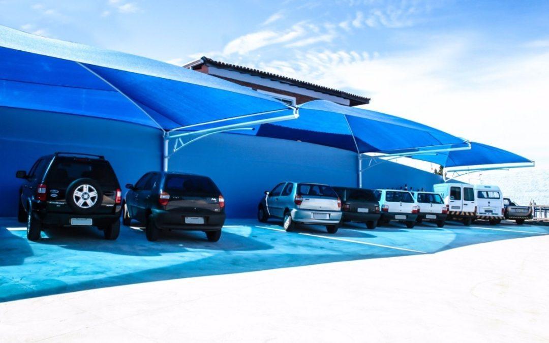 É possível cobrir vagas de garagem em condomínios?